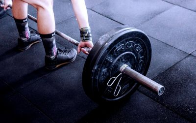 Which Is Better? Free Weights or Machines